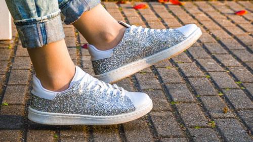 Du glitter aux chaussures